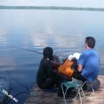 рыбалка с берега озера